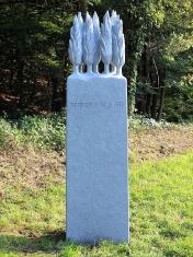 Stele Zypressenhain